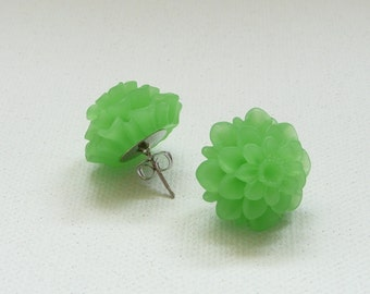 Frosted Green Resin 18 mm Mum Stud Earrings