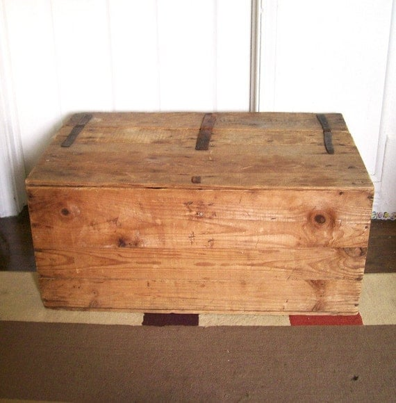 Vintage 1900 39 S Wood Trunk Crate Coffee Table Leather