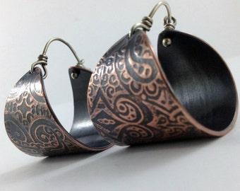 Chunky paisley copper hoop earrings with texture pattern and patina caramel and chocolate