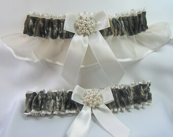 MOSSY OAK Camouflage wedding garters pearl / rhinestone camo garter ivory