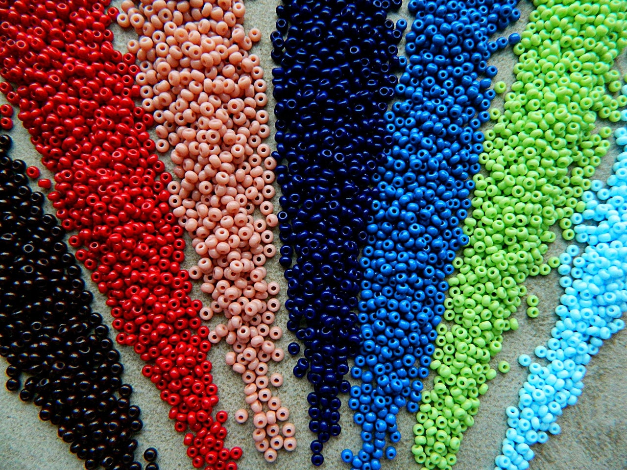 9 0 blue green seed bead mix rocailles seed