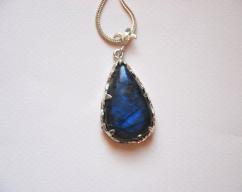 Labrodorite  Gemstone  Sterling Silver Pendant Necklace Silver Cahin