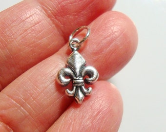 Sterling Silver Fleur De Lis Charm, Lightly Oxidized, 12 x 9 mm, 1 pc