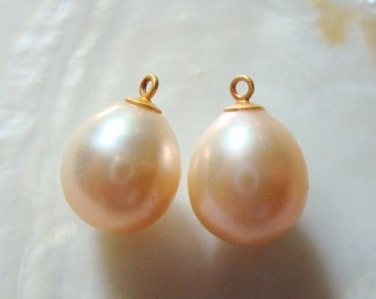 Fresh Water Pearl, Natural Color Freshwater Pearl, Apricot, Peach Cream Teardrop Rice Briolette, 13-14mm, 2 pcs