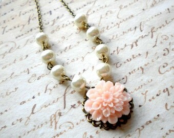 Pearl Bridesmaid Jewelry Mother Of The Bride Jewelry Pink Flower Necklace Pearl Necklace Pale Pink Necklace Rustic Bridesmaid Necklace