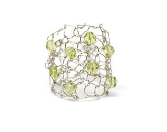 Big Wire Ring / Peridot Crystal Ring / Cocktail Ring / Wide Band Ring / August Birthstone / Green Olive Lace Mesh Ring