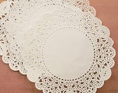 30 Romantic Ivy Lace Paper Doilies (5in)