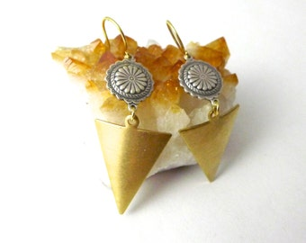 Southern Arrows Earrings - Southwestern Concho Earrings with Geometric Triangles, Boho Indie Style