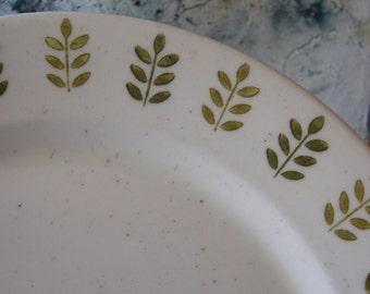 Vintage Mid Century Modern Metlox Pepper Tree Serving Chop Plate