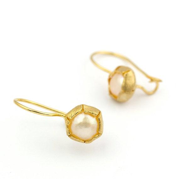 Vintage Inspired Pearl 14k Gold Dangling Earrings