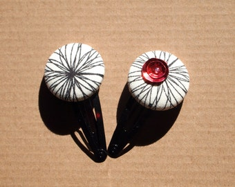 Set of two hairpins.