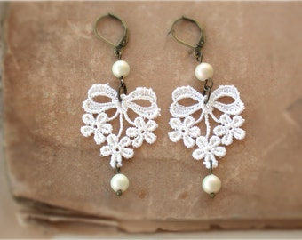 Lace Earrings - Vintage Dainty Floral Bow Appliques Cream Venise Pearl Earrings Earings For Bride Bridal Jewelry Bridesmaid