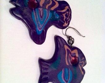 FISH Figural NOVEL Approach Purple Pink Turquoise Clay Playdol Pierced Earrings Hand Painted Handmade Vintage Jewelry artedellamoda