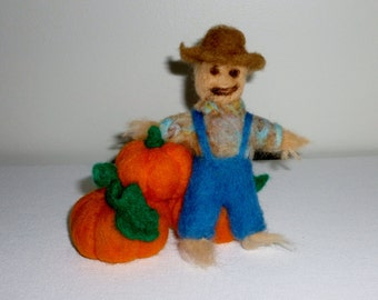 Needle felted fall decoration pumpkins and scarecrow, wool felt scarecrow, felted fall decor