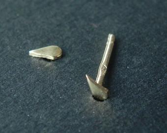 So tiny rain drop stud earrings in 14K solid yellow gold - nose studs - raindrop tear drop mini jewelry