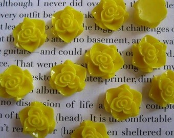 Yellow Resin Flower Cabochon 15mm