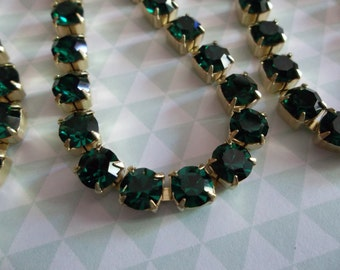 Large Crystal Size Rhinestone Chain Emerald Green Czech Crystal 6mm 29SS in Brass Setting - Qty 32 inch strand