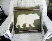 Vintage Hooked Wool Pillow Bear Design Rustic Cabin Lodge Decor