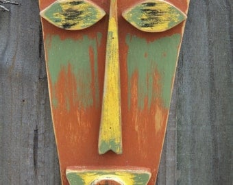 CARRIE, Tiki Man, Tiki Mask, Primitive Wall Hanging, Rustic Beach House, Wood Sculpture