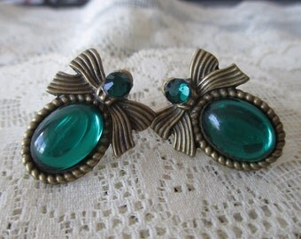 Brass Bows & Vintage Stones 2g / 6mm Plugs - For gauged Ears. :) Emerald City