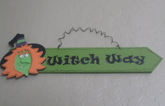 "Halloween ""Witch Way"" Sign"