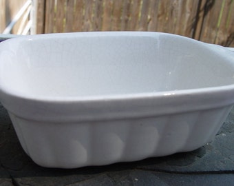 Vintage Pfaltzgraff 32 oz. Baking Dish White with Crazing Glaze