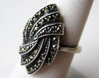 Vintage Ring Jeweled Marcasite Art Deco Sterling Silver Cocktail Ring size 7