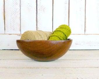 Large solid wood vintage bowl/wooden salad bowl/fruit bowl/decorative wood bowl