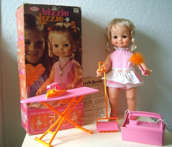 Lovee Doll Amp Toy Co : Bizzie lizzie doll with all original clothing and accessories