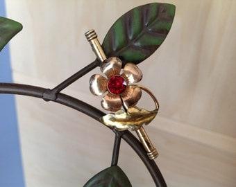 1930-1940s Gold Tone Rose Pin