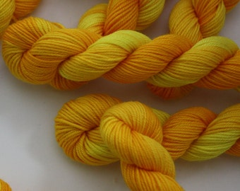 Embroidery Thread - Brodery Cotton Yarn - Hand Dyed Variegated Sunshine Yellow - Skein Ref.321
