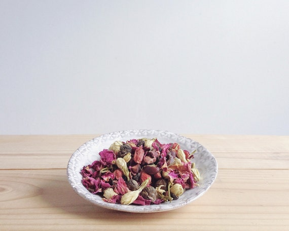 Fleurs & Cacao - organic loose leaf green tea blend - roses, jasmine, chocolate, vanilla - 2 oz