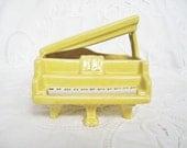 ViNTaGe Ceramic Baby Grand Piano