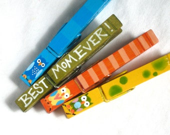BEST MOM EVER clothespin owls hand painted magnetic
