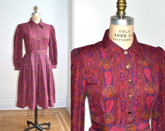 ON SALE 50% OFF Vintage Paisley Print Dress Small Medium// Vintage Paisley Print Shirt Dress in Red// Vintage Boho Dress Paisley Shirt Dress