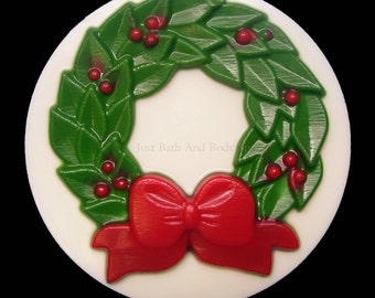 Holiday Christmas Wreath Glycerin Novelty Soap Round Winter Bar 5oz U PICK SCENT