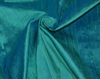 Silk dupioni in Green with Cyan shimmer - D 266, Fat quarter.