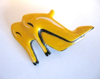 Vintage Figural Jewelry - Yellow High Heeled Stiletto Shoes Pin - Brooch