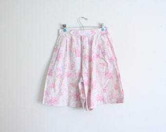 1980s pastel floral print ladies shorts - high waisted shorts / Charter Club - vintage preppy shorts / Sweet Kawaii - pink floral shorts