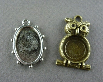 Choice 2 styles BEZELS 8pc antique silver bronze owl or oval bezel charms pendants