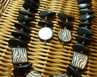 Brown Zebra Stripe Necklace Set
