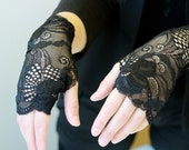 Lace Gloves  in Black, stretch lace, fingerless lace gloves, Bride, bridesmaid, gift for her.  Ready to ship.