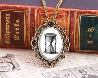 Hourglass - Victorian Necklace