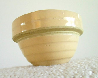 Vintage Thick Tan Stoneware Bowl