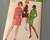 Vintage Simplicity 8934 Peter Pan Collar Mod Mini Dress Sewing Pattern 34 Bust Petite