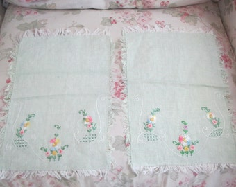 2Pc Set Vintage Jadeite Mint Green French Knot Floral Hand Embroidered Dresser Panel Doilies Doily C35