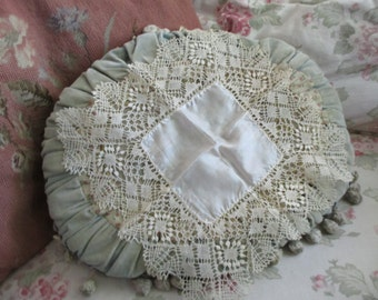 Vintage Hankie Hanky Ornate Knit Lace Cream With Silk Center