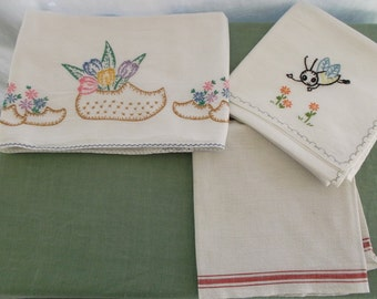 Vintage Towels Dish Towels Embroidered 3 Pieces Cotton and Flour Sack  Towels