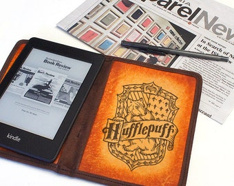 Kindle Leather Cover - Hufflepuff - Customizable - Free Personalization