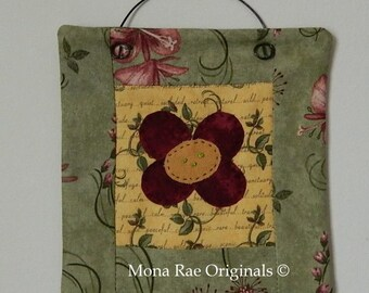 Flower Mini Quilt ~ 6 Inches Square ~ SCOFG